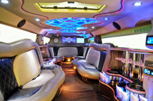 white-hummer-limo-int
